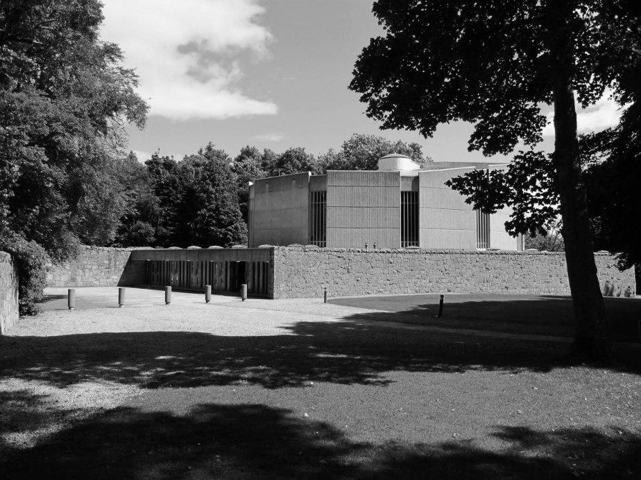 Gordonstoun chapel2_B+W